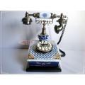Antika Görünümlü Kare Porselen Mavi Telefon